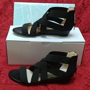 SOLD***Women's Lifestride Yasemin Black Size 7M